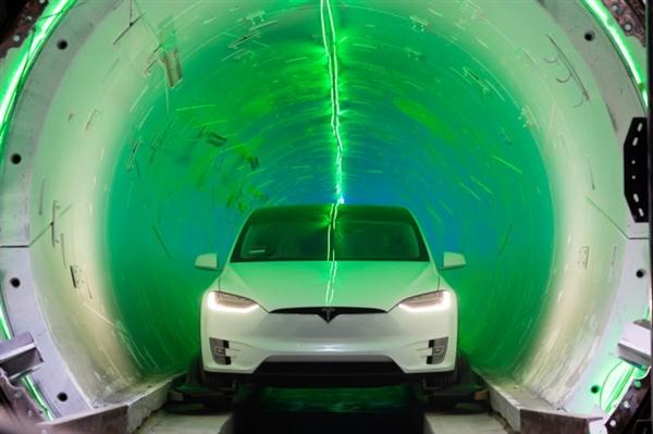 馬斯克稱地下隧道已完成明年啟用:最高時速250公里/小時